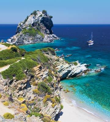 Agios Ioannis Kastri beach in Skopelos