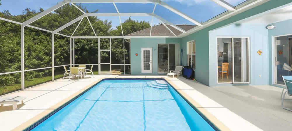 The pool of a Florida villa