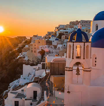 World famous sunset in Oia, Santorini