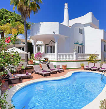 Traditional whitewashed villa with a courtyard and private pool in Marbella