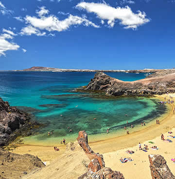 Golden sands and turquoise seas of the Papagayo beaches