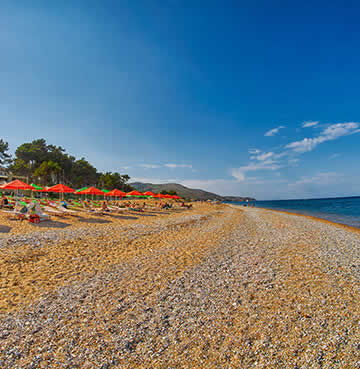 Gently sloping golden sands at Skala Beach