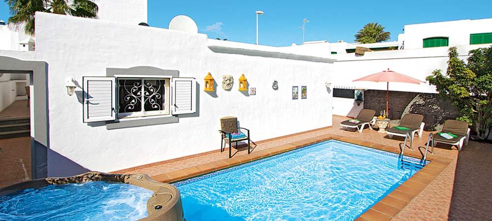 Pool area in Villa Lavande, Lanzarote