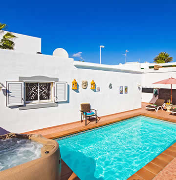 Traditional villa in Lanzarote with private pool