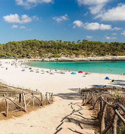 Cala Samarador beach in Mallorca