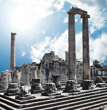 The ruins of the Temple of Apollo near Didim