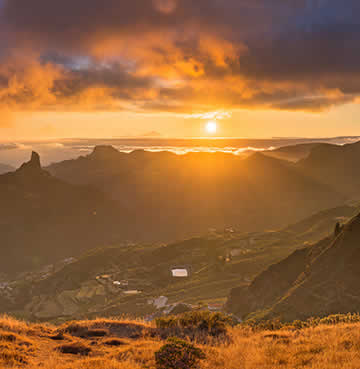 Jaw-dropping views over Gran Canaria's wild and rugged countryside and mountains