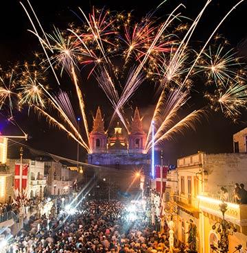 Showstopping fireworks in Valletta, Malta