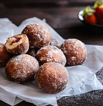 Sweet donut-style balls of Bombolone