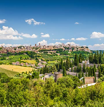 Rolling hills and luscious countryside in Umbria