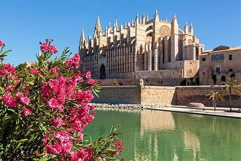 The iconic La Seu Cathedral in Palma, Mallorca
