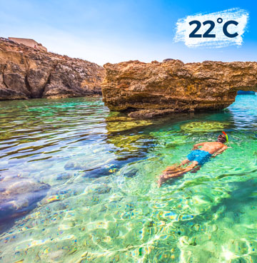 Man snorkelling in Comino's Blue Lagoon