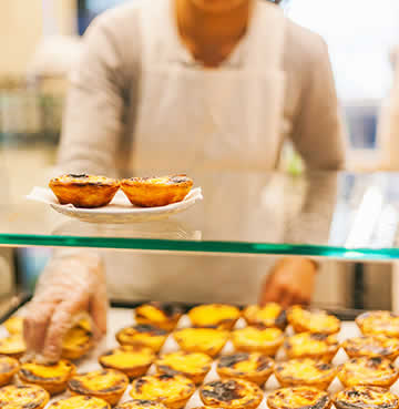 Beautiful food and delicious pastries available in the Algarve.