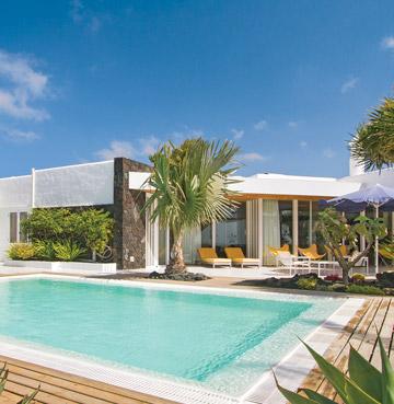 Modern exterior and luxury pool at Villa Casa Linda in Puerto Calero, Lanzarote