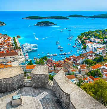 The iconic viewpoint from the walls of Hvar Town