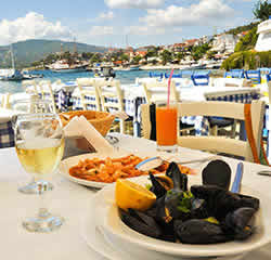 Food and dining in Puerto Calero Image