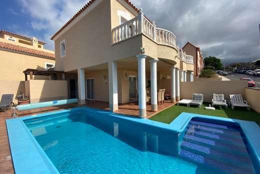 Villa cush in playa paraiso tenerife villa details for Villas otoch paraiso