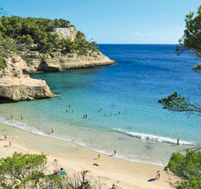 Mitjana Beach