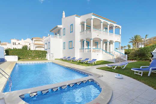 Henriques in Gale > Algarve | Villa details