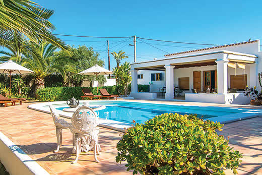 Villas Playa D En Bossa Sleeps