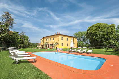 top 30 villas with great views in tuscany italy rh jamesvillas co uk