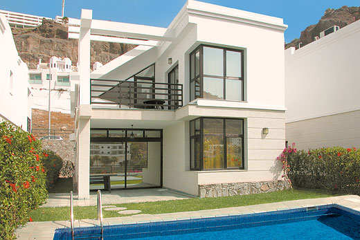 Sunshine villas in puerto rico gran canaria villa details for Villas en gran canaria